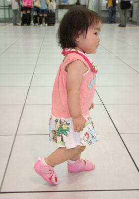 駅を歩く七夕ちゃん